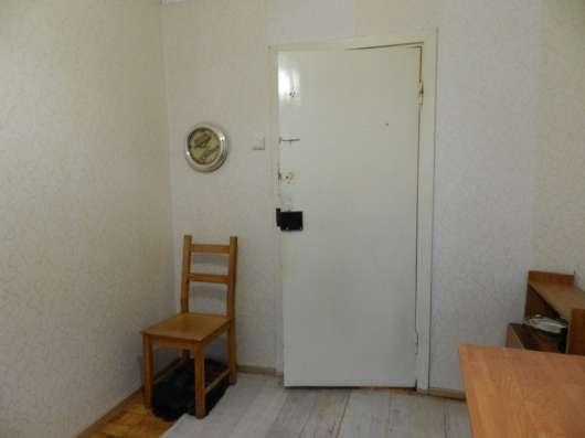 Продам комнату в 4-х комн. квартире