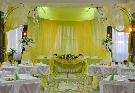 Оформление свадебного зала тканями, цветами, шарами в Пензе Фото 5