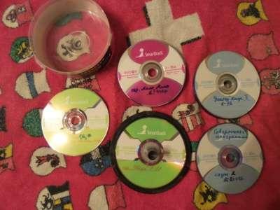 Отдам DVD диски в банке сериалы