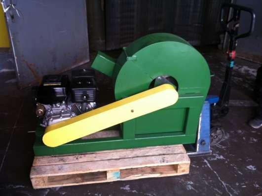 Измельчитель древесины с приводом от ДВС