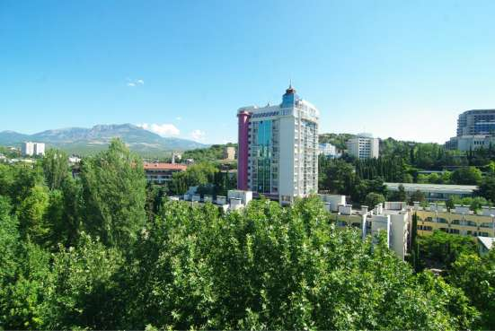 Аренда апартаментов 150 метров от моря комнат раздельных 3 в г. Алушта Фото 2