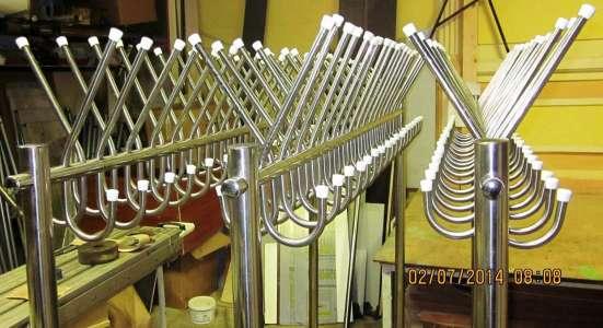 Вешалка гардеробная нержавеющей зеркальной стали