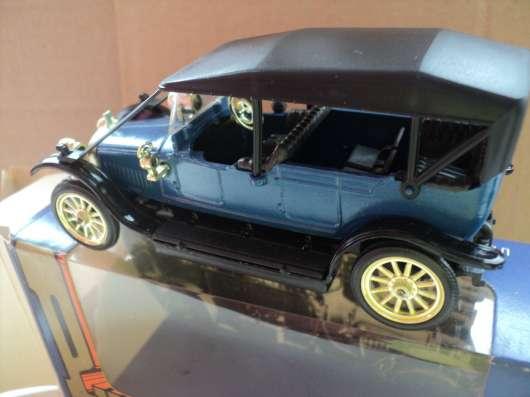 Масштабная модель автомобиля РУССО- БАЛТ