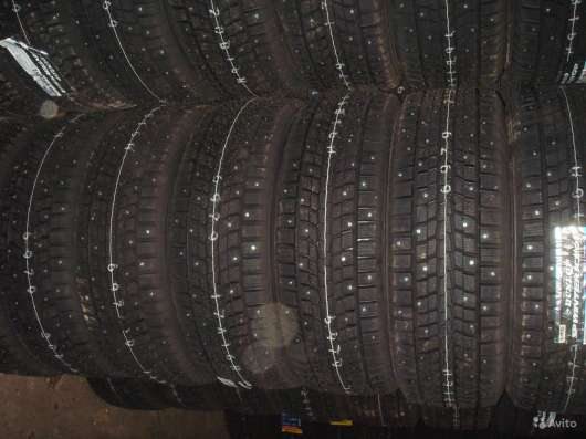 Новые шипы Dunlop 195/60 R15 Winter ICE01