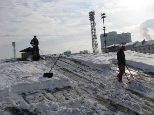 Обслуживание кровли очистка от снега в Мурманске Фото 1