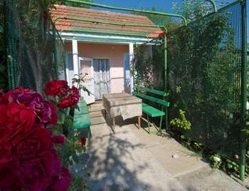 Отдельный домик с кухней для отдыха на море в Крыму №23.
