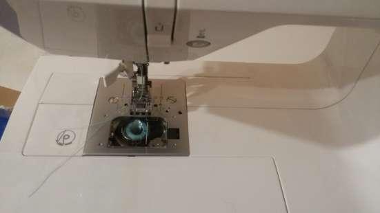 Продается бытовая швейная машина SINGER в Москве Фото 2