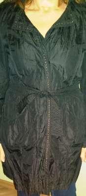 Плащ Италия 48 размер, черный, с кружевом в Челябинске Фото 1