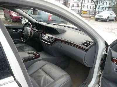 автомобиль Mercedes S 500, цена 840 000 руб.,в г. Псков Фото 4