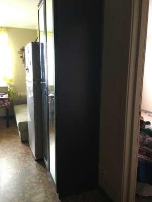 Шкаф в прихожую с зеркалами