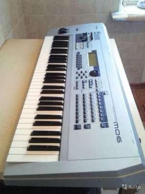 Продаю синтезатор Yamaha mo 6