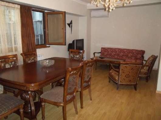 3 комнатная квартира у оперы
