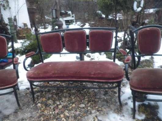 Старинный диван и два кресла в Москве Фото 6