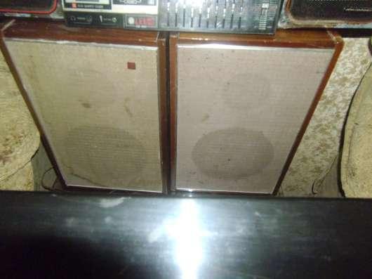 Продам проигрыватель грампластинок АРКТУР-004 с пластинками.