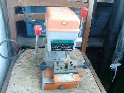 Станки для изготовления ключей WENXING 100-G/100G