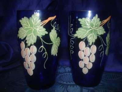 пара старинных стаканов с ручной роспись