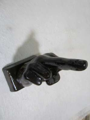 Производство и оптовая продажа фигурок, статуэток.