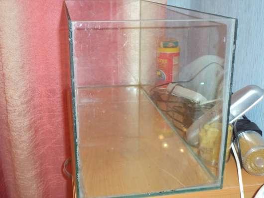 Большой прямоугольный аквариум на 30л