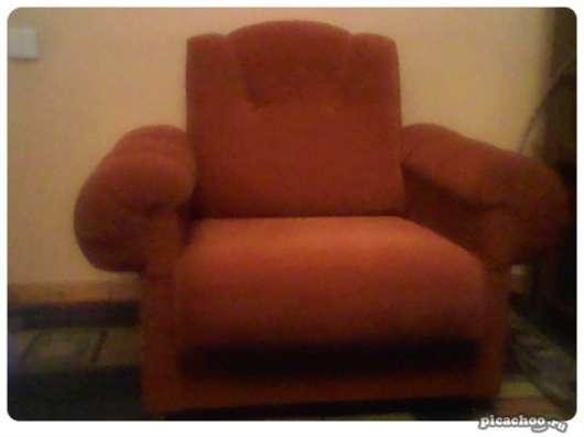 Продам диван и два кресла