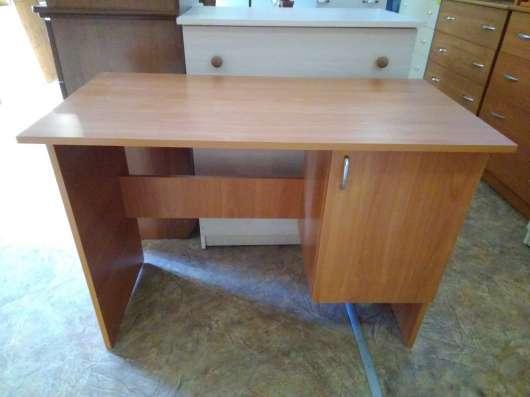 Подростковый письменный стол, самый дешевый в Севастополе!