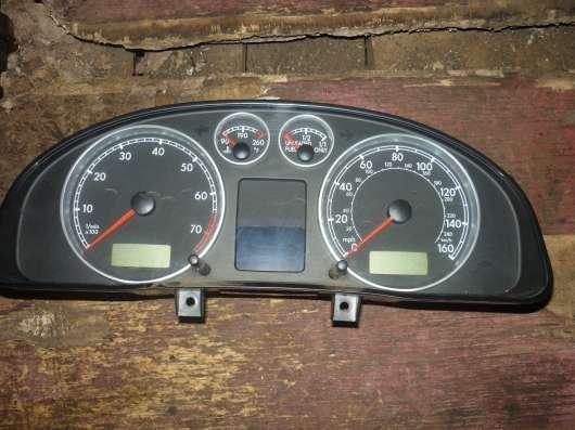 VW Passat B-5+ панель приборов 3B0920925B