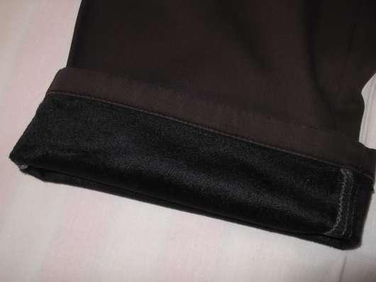 Продам джинсы утепленные коричневые р-р 52, новые в Новосибирске Фото 2