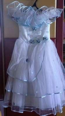 Продам платье на девочку 10-13 лет