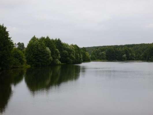 Участок у озера