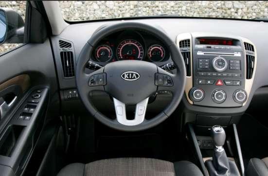 Продажа авто, Kia, Cee'd, Механика с пробегом 77450 км, в Великих Луках Фото 2