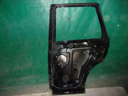 Дверь задняя Right Range Rover Sport 1  Range Rover Sport 1