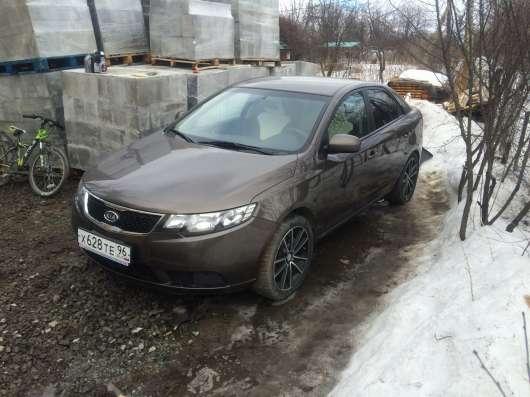Продажа авто, Kia, Cerato, Механика с пробегом 81000 км, в Екатеринбурге Фото 1