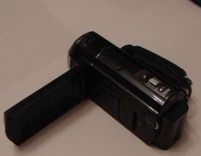 видеокамеру Sony HDR-CX500E