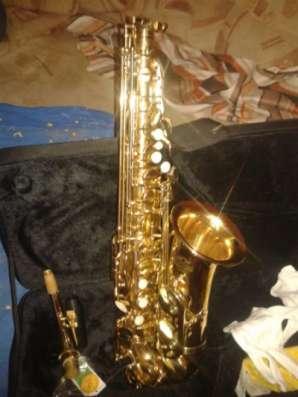 Продаётся саксофон J. michael AL-780