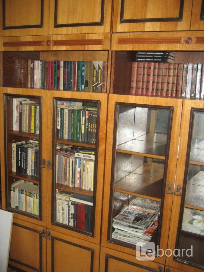 Шкаф/стеллаж книжный не дорого в владивостоке.